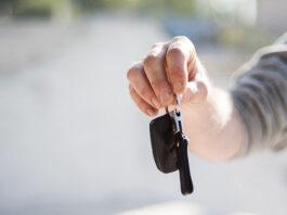 Wynajęte auto – kto ponosi koszty paliwa i ubezpieczenia